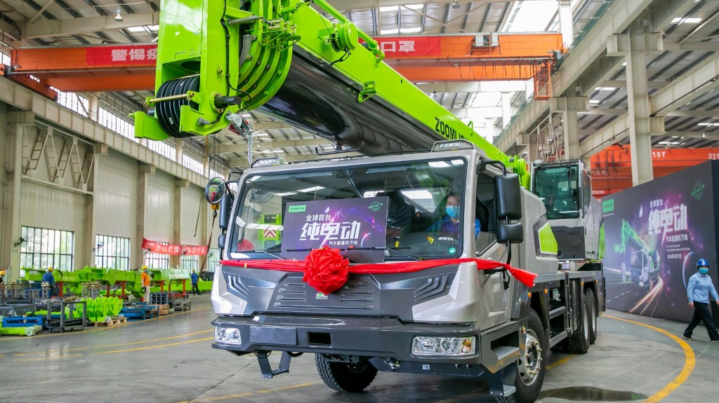 Zoomlion launches world's first purely electric truck crane