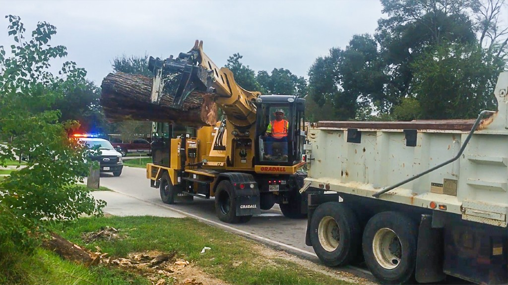 Fixed thumb grapple from Gradall built for emergency applications, storm clean up