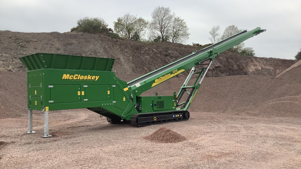 McCloskey mobile feeder stackers facilitate stockpiling for projects on the move