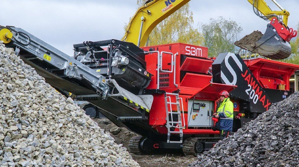 SBM releases powerful mobile jaw crusher for stone and recycling applications