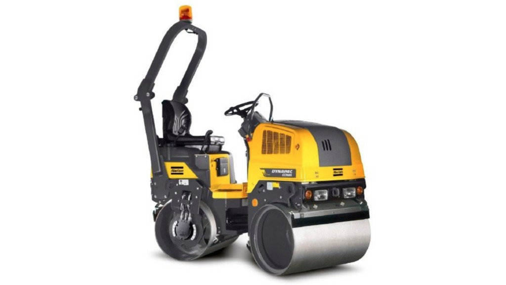 Dynapac tandem roller creates better compaction near obstacles with offset drum feature