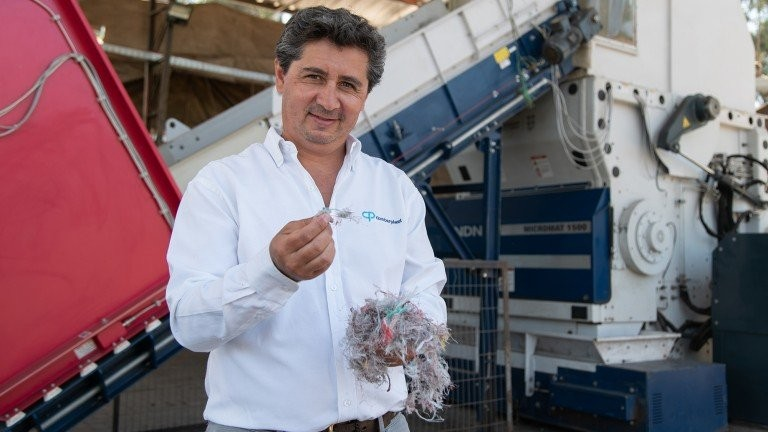 Lindner shredder helps recover discarded fishing nets in Chile