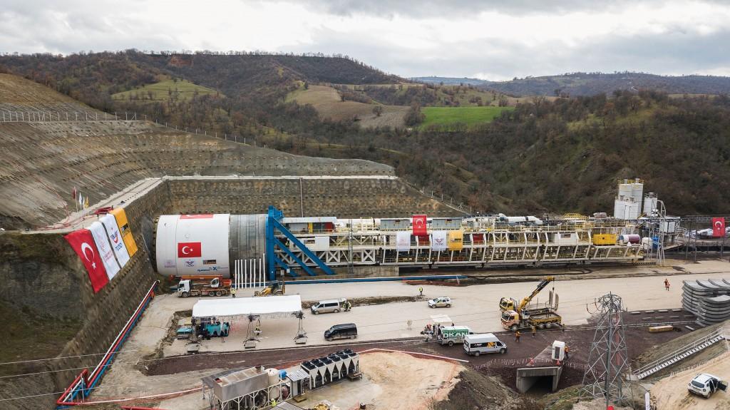 Robbins' crossover machine begins boring Eşme-Salihli Railway Tunnel in Turkey