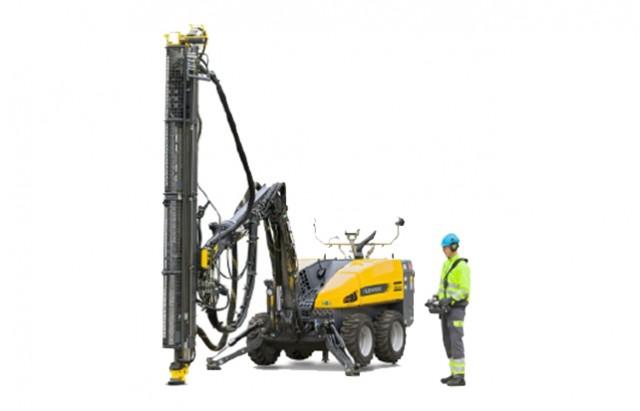 atlas copco flexiroc drill rig updated with bluetooth radio remote control  tier 4 final engine