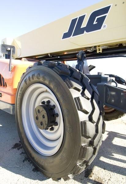Exclusive alliance with Bridgestone puts DuraForce MH tires on all JLG telehandlers