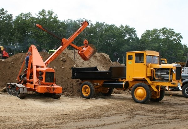 2011 Historical Construction Equipment Association's international convention and exposition