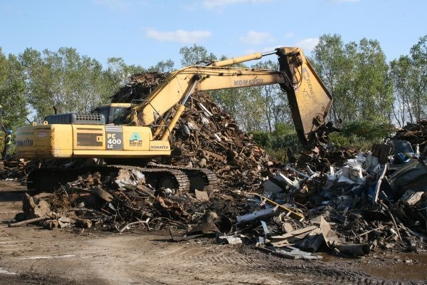 Metalico Buffalo uses GXP 700 and GXP 1000 shears to cut almost anything received at their yard.