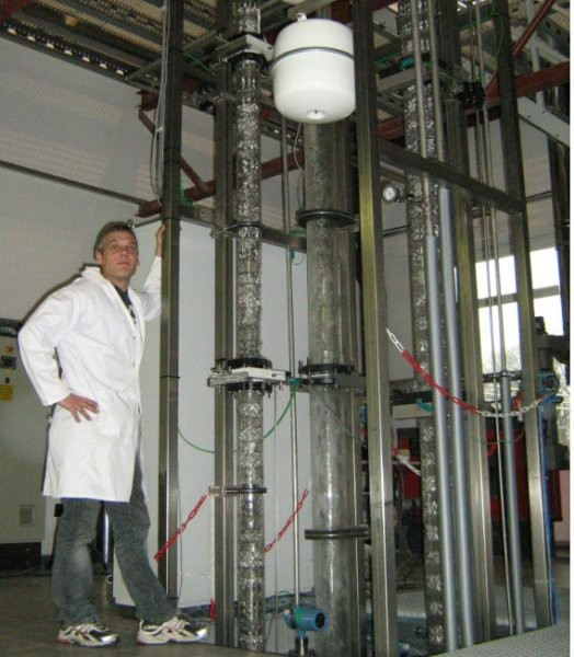 Enzymatic technology for low-cost CO2 capture in oil sands operations