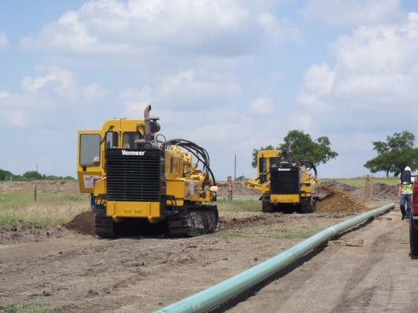 Trencher and HDD techniques smooth pipeline construction - Oil & Gas