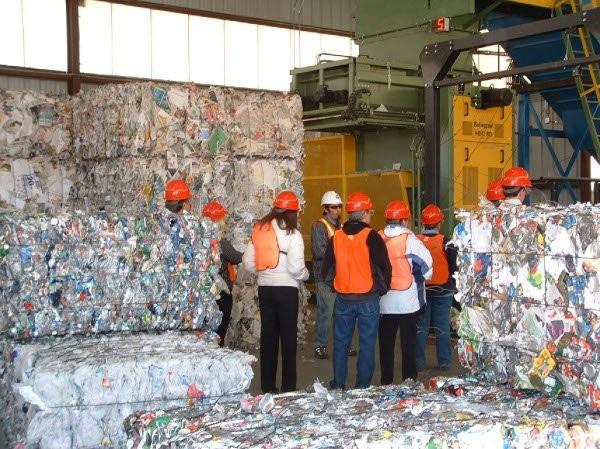 Recycling Facility Operators students at the Santa Fe Buckman Recycling Center