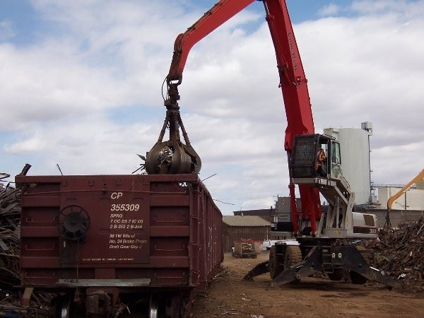 In-motion weighing helps scrap handlers improve loading at