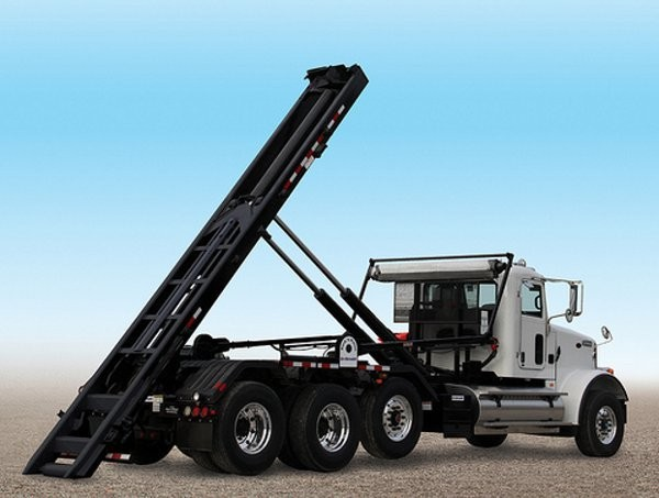 Wastequip expands dealer network for Galbreath and Pioneer