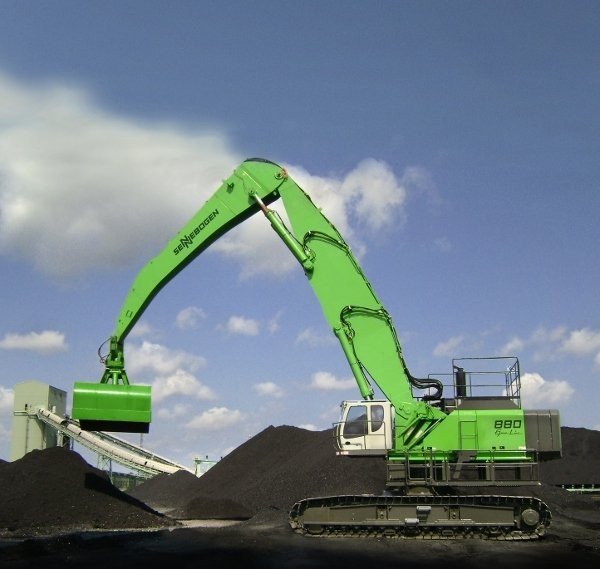 The 880 is just one of many in the SENNEBOGEN line-up from 44,000 lbs. to 750,000 lbs.