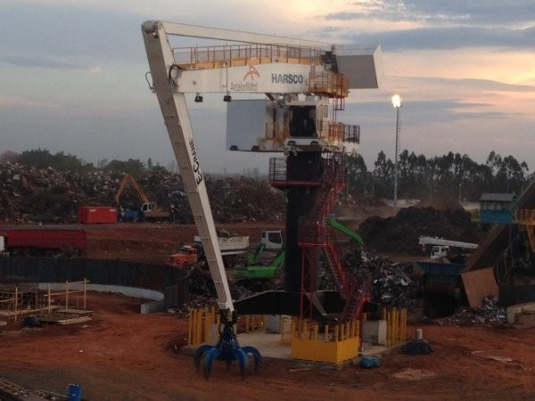 E-Crane 1000 Series E-Crane replaces material handlers at Harsco scrap yard in Brazil