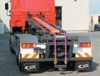 Belt system for container transfer