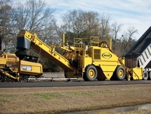 Remixing Transfer Vehicle handles large volumes for high-production paving jobs