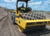 Heavy-duty dirt rollers with new traction control system
