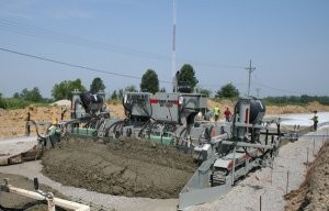 Power Pavers introduces new compact slip-form paver