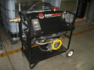 Portable colouring unit for entry-level mulch producers