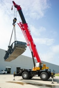 New SANY SRC885 rough-terrain crane fills a gap in the market with power and stability