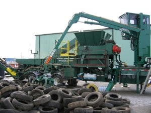 High torque, dual shaft tire shredders