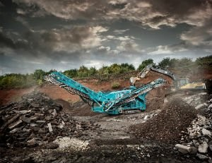 Powerscreen Launches The Warrior 2100 Screen