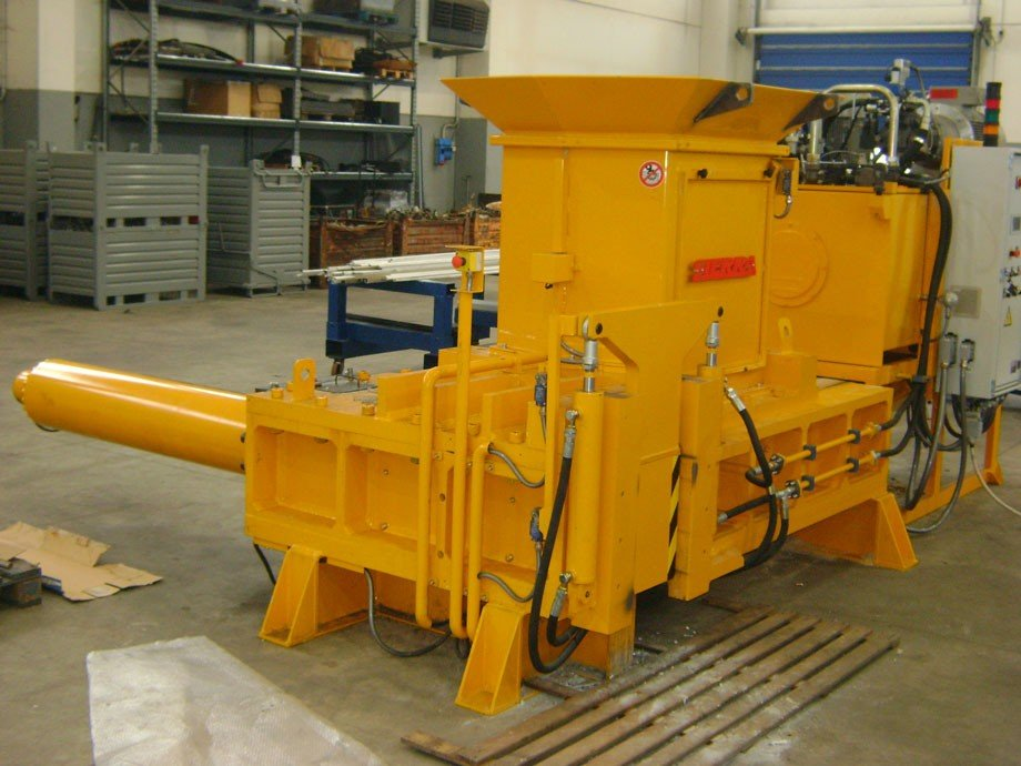 Sierra International Machinery - Sierra 80-2c Balers