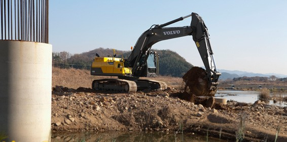 Volvo Construction Equipment - EC300D excavator Excavators