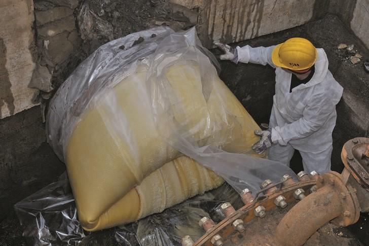 Trenchless pipe rehabilitation of underground
