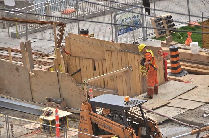 Revitalizing Toronto's waterfront roads