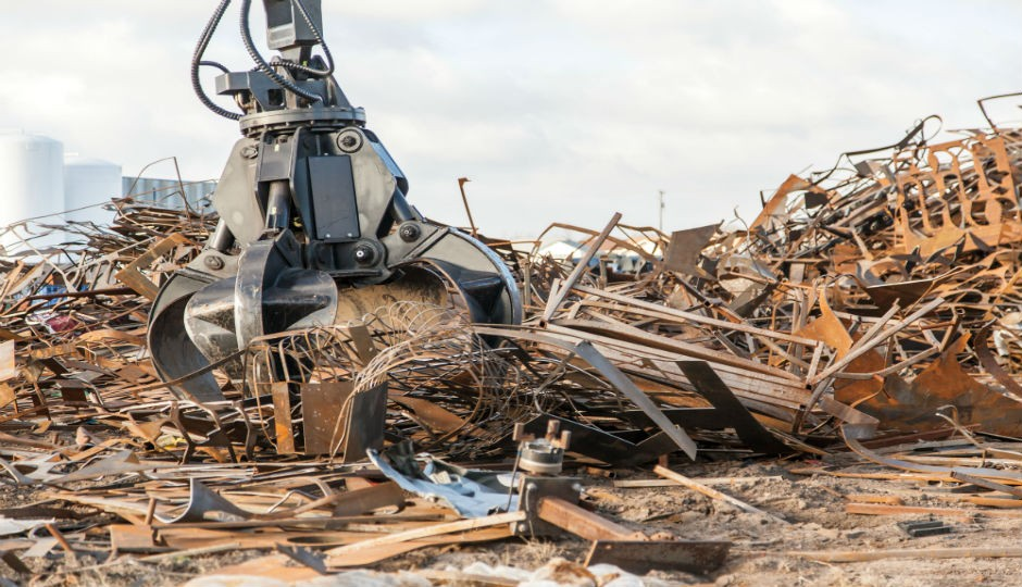 Grapples help operators efficiently handle scrap and recyclable materials