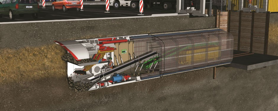 Lining method with in-situ concrete directly behind the machine.