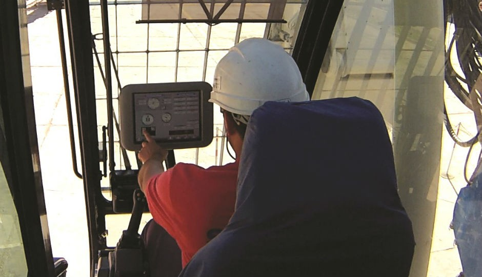 Soilmec SR-90 rig operator uses the DMS to monitor machine operations.