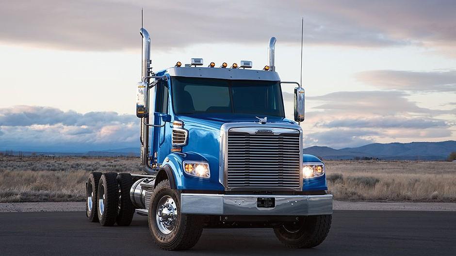 Freightliner Trucks - 122SD Vocational Trucks