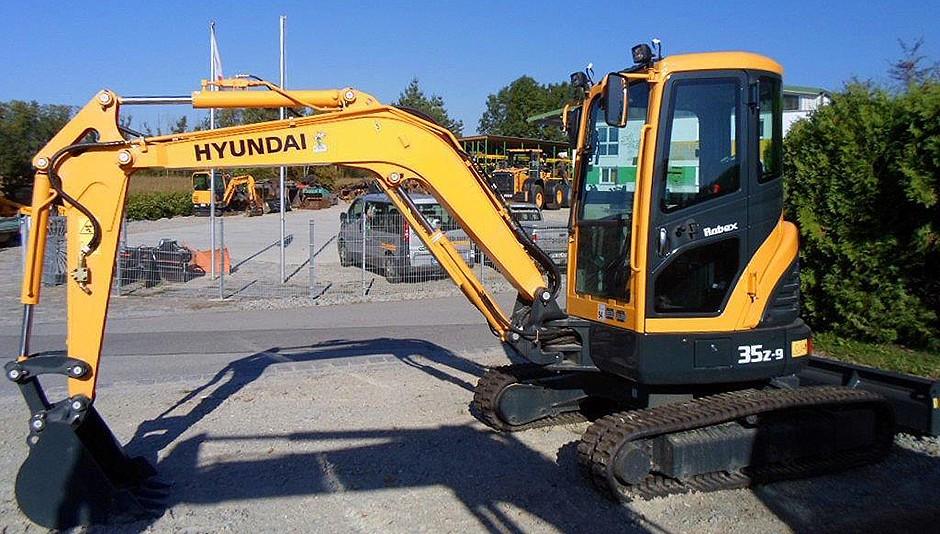 Hyundai Construction Equipment Americas Inc. - R35Z-9 Excavators