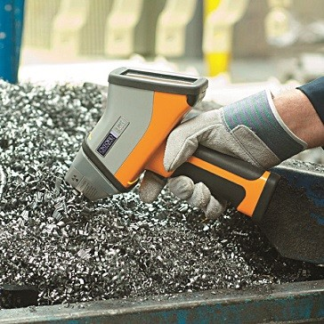 Handheld XRF Analyzer for Scrap Metal Analysis