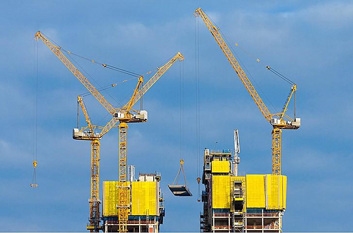 Liebherr Canada - 542 HC-L Tower Cranes