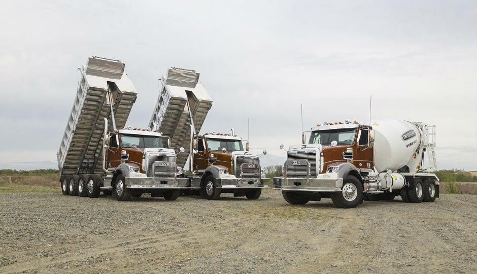 0071/17560_en_e183d_3600_freightliner-122sd-truck.jpg