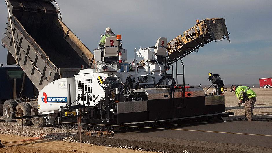 Roadtec - RP-2505 Asphalt Pavers