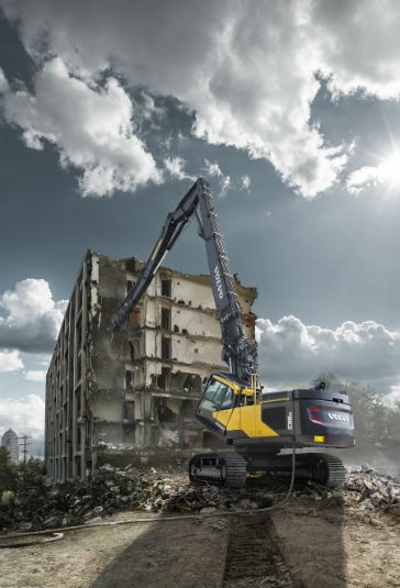 Bringing Down the House Volvo's EC380EHR and EC480EHR reach new heights of productivity