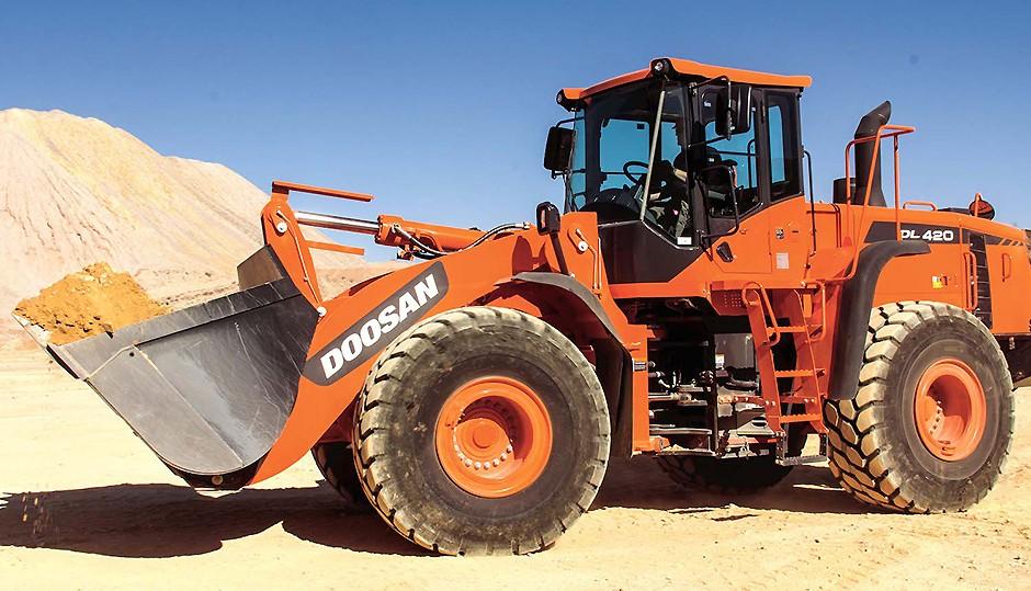 Doosan Infracore North America LLC - DL420-5 Wheel Loaders