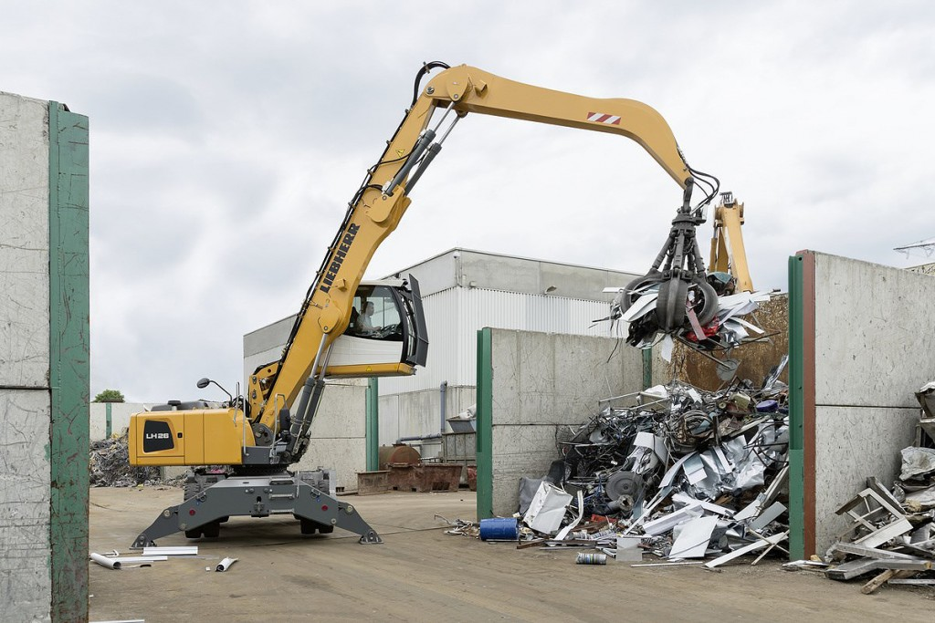Liebherr Canada - LH 26 M Litronic Material Handlers