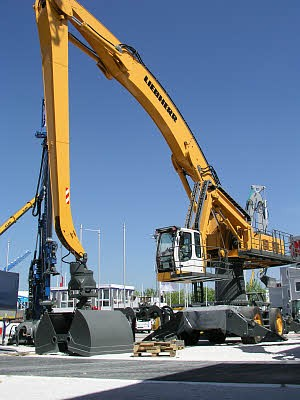 Liebherr Canada - A 954 C HD Litronic Material Handlers