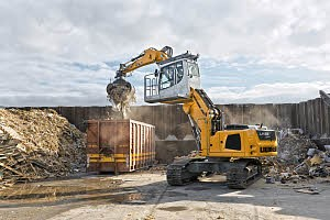 Liebherr Canada - LH 22 C Litronic  Material Handlers