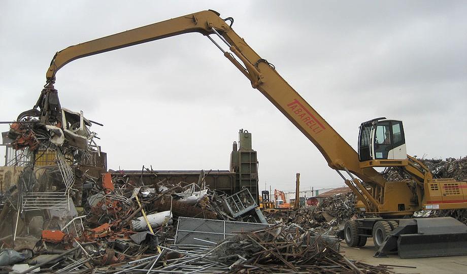 Sierra International Machinery - T840 Crane Material Handlers