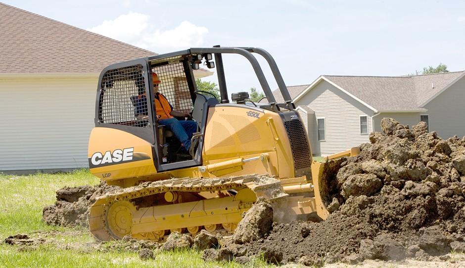 CASE Construction Equipment - 650L Crawler Dozers