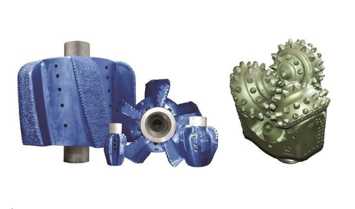 The DDI Volcano PDC hole opener can be pushed or pulled during rotation through the predrilled bore hole – an improvement on the traditional tri-cone bit, seen on the right. The PDC cutters scrape and cut the rock formation.
