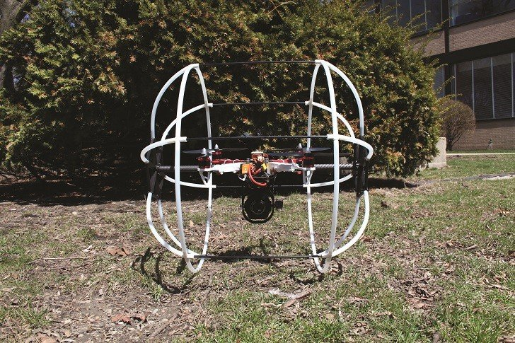 The DJI S900 test drone by ComEd is held aloft by six electric motors attached to 38-centimetre propellers. The drone can fly a maximum of 18 minutes per charge.
