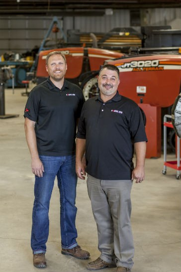 Together, Source: HDD, Inc. Vice President of Sales, Jay Cary (left) and President Joe Phillips (right) have over three decades of technical knowledge and HDD field experience.