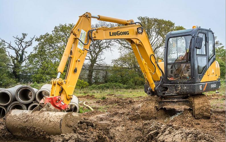 LiuGong North America - CLG906DII Excavators
